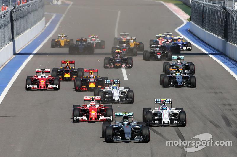 Start: Nico Rosberg führt