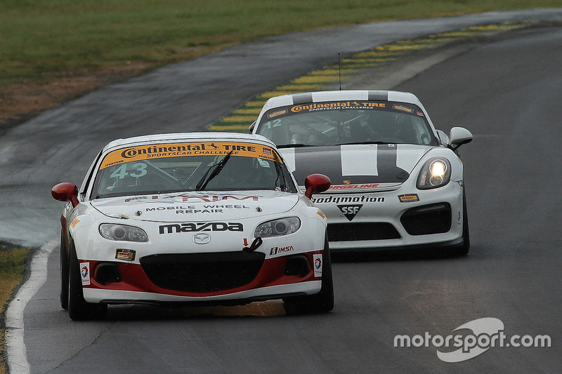 #43 Alara Racing Mazda MX-5: Terry Borcheller, Mike LaMarra
