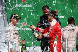 Podium: race winner Lewis Hamilton, Mercedes AMG F1, second place Nico Rosberg, Mercedes AMG F1, third place Sebastian Vettel, Ferrari