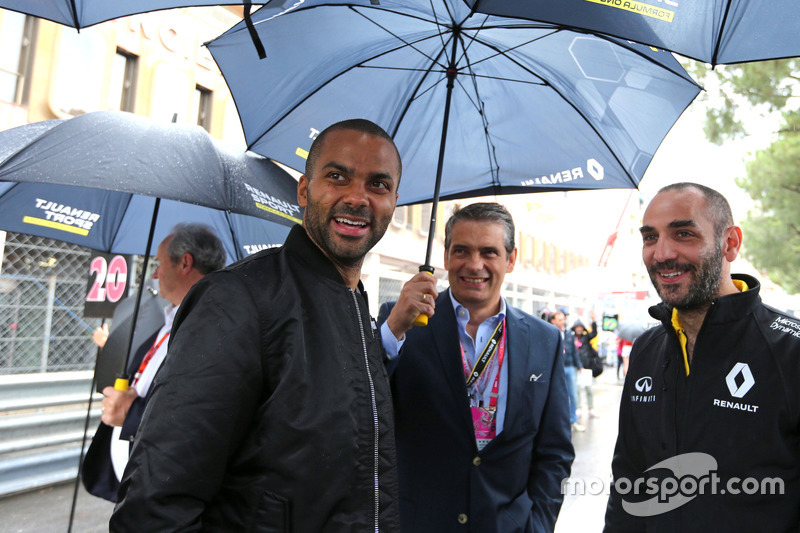 Tony Parker, guest of Renault Sport F1 Team and Cyril Abiteboul, Renault Sport F1 Team
