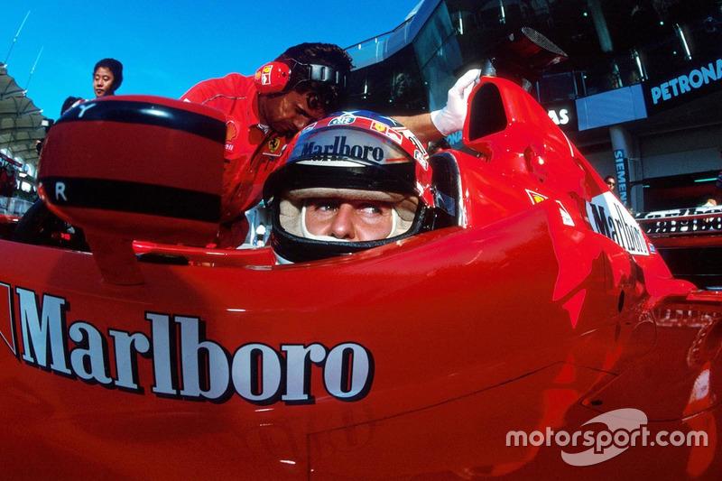 Schumacher volvió a la competición en el penúltimo Gran Premio de la temporada de 1999 en Malasia, durante octubre, para intentar ayudar a Irvine a arrebatarle el título a Hakkinen.