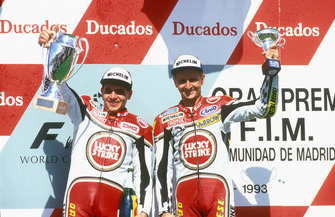 Podium: race winner Alex Barros, Suzuki, third place Kevin Schwantz, Suzuki