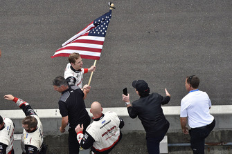 1. Brad Keselowski, Team Penske, Ford Fusion Discount Tire