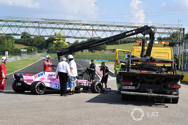 El automóvil de Nikita Mazepin, Force India VJM11 es removido