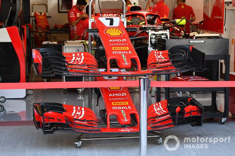 Des nez et ailerons avant de la Ferrari SF71H
