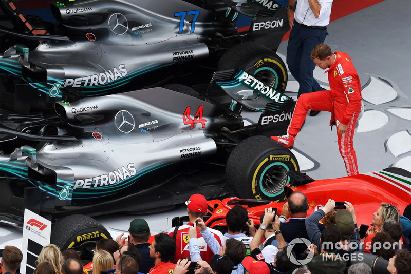 Себастьян Феттель, Ferrari, Льюіс Хемілтон, Mercedes AMG F1 W09