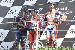 Подиум: Маверик Виньялес, Yamaha Factory Racing, Андреа Довициозо, Ducati Team, Данило Петруччи, Pramac Racing