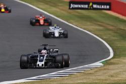 Romain Grosjean, Haas F1 Team VF-17, Lance Stroll, Williams FW40, Fernando Alonso, McLaren MCL32