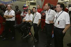 Oliver Jarvis, Loïc Duval, Audi Sport Team Joest, Allan McNish, Marc Piedade, Reinhold Joest