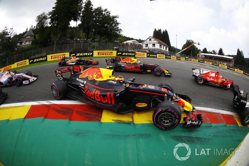 9. Valtteri Bottas, Kimi Raikkonen, Max Verstappen, Daniel Ricciardo, Fernando Alonso e Sergio Perez