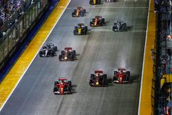 Sebastian Vettel, Ferrari SF70H, Max Verstappen, Red Bull Racing RB13, Kimi Raikkonen, Ferrari SF70H, immediately prior to contact