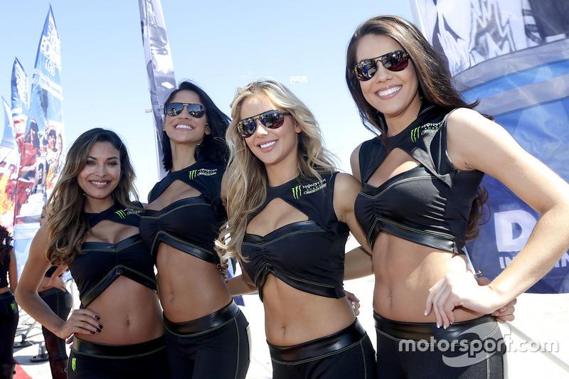Amazing Monster Energy girls at Daytona 500