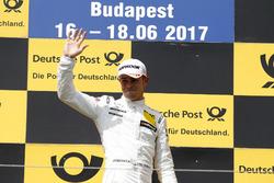 Podium: le vainqueur Paul Di Resta, Mercedes-AMG Team HWA, Mercedes-AMG C63 DTM
