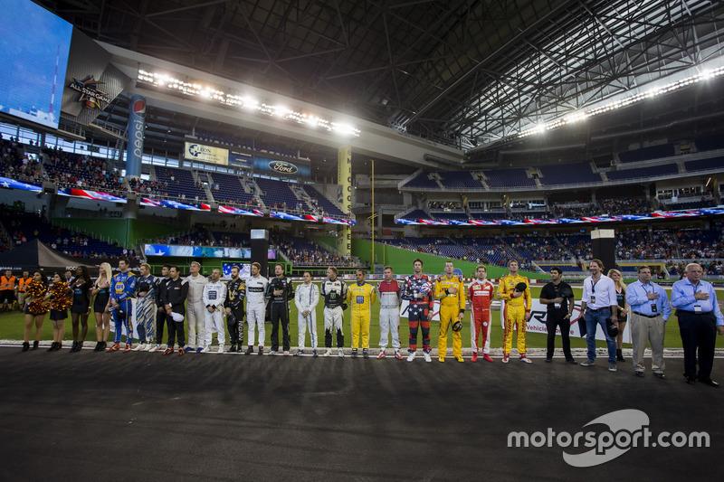 Los pilotos en line up