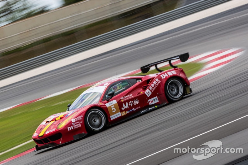 #5 DH Racing Ferrari 488 GT3: Stephane Lemeret, Michele Rugolo, Matthieu Vaxiviere