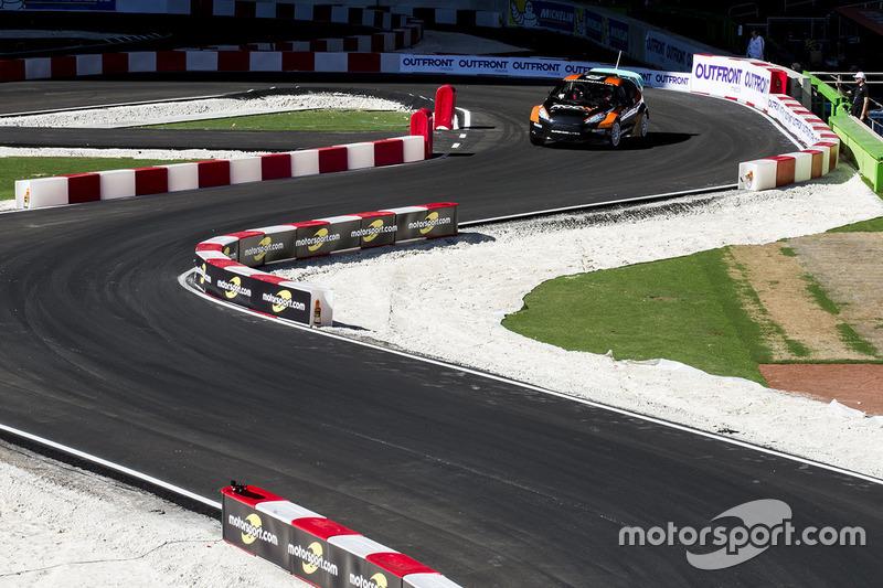 Sebastian Vettel maneja el RX Supercar Lite