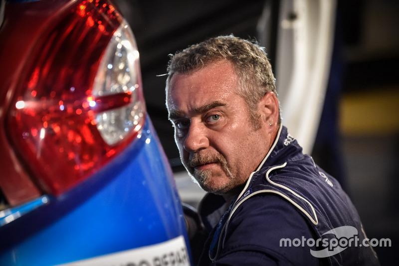 I tecnici e i meccanici Peugeot