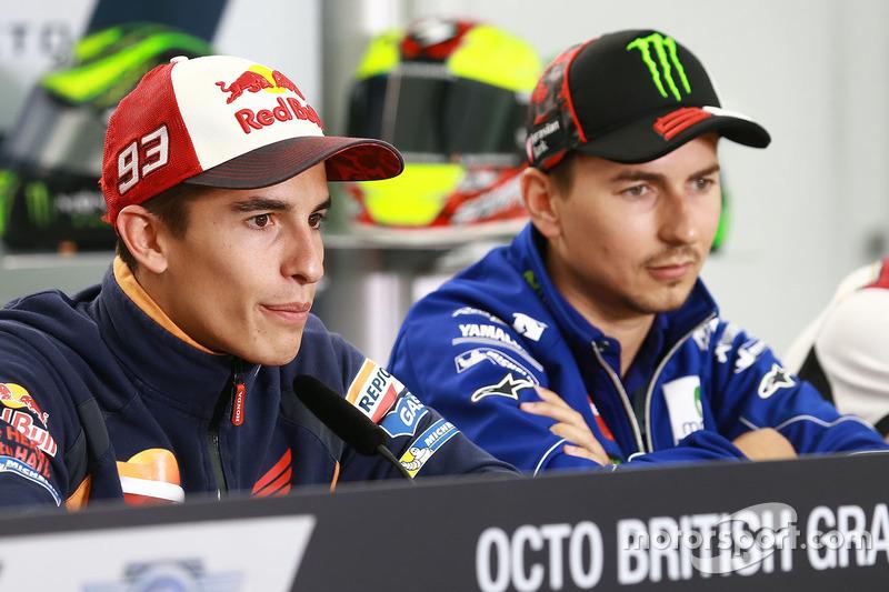 Marc Marquez, Repsol Honda Team; Jorge Lorenzo, Yamaha Factory Racing