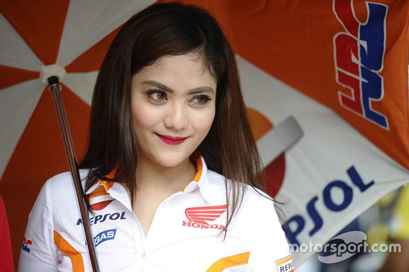 Чарівна дівчина Repsol Honda Team