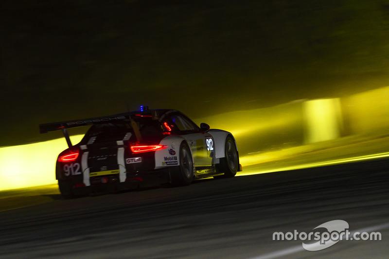 #912 Porsche Team North America, Porsche 911 RSR: Earl Bamber, Frédéric Makowiecki, Michael Christensen