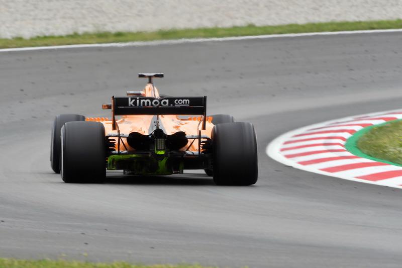 Stoffel Vandoorne, McLaren MCL33 con pintura aerodinámica en el difusor trasero