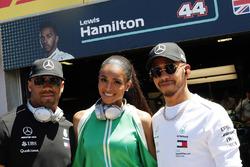 Russell Wilson, Ciara y Lewis Hamilton, Mercedes AMG F1