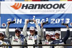 Podium TCR: Race winners #130 Liqui Moly Team Engstler Volkswagen Golf GTi TCR: Luca Engstler, Flori