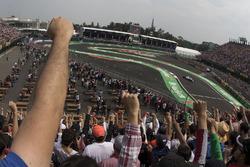 Fans Fuerza México vuelta 19