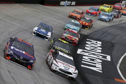 Brad Keselowski, Team Penske, Ford Fusion Discount Tire, Denny Hamlin, Joe Gibbs Racing, Toyota Camry FedEx Freight