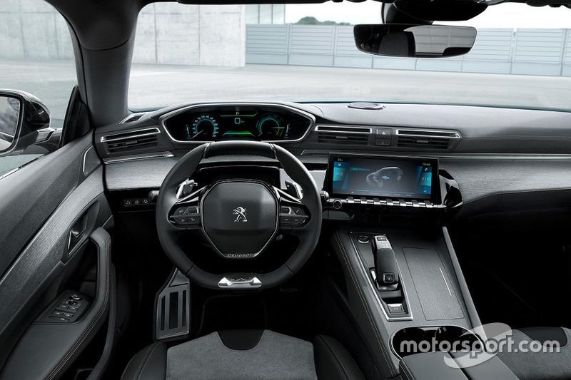 Peugeot 508 з агрегатом Plug-in Hybrid