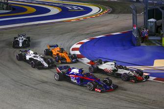 Brendon Hartley, Scuderia Toro Rosso STR13, Kevin Magnussen, Haas F1 Team VF-18, Sergey Sirotkin, Williams FW41 en Stoffel Vandoorne, McLaren MCL33