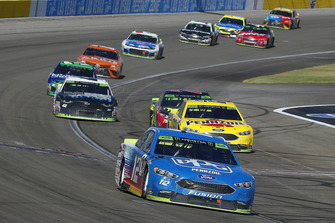 Ryan Blaney, Team Penske, Ford Fusion PPG and Joey Logano, Team Penske, Ford Fusion Shell Pennzoil