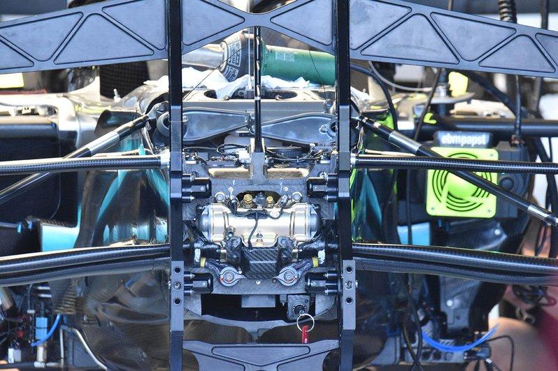 Mercedes AMG F1 W10 suspension detail