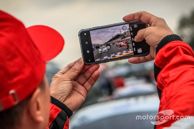 Foto alla griglia di partenza di Gara 1
