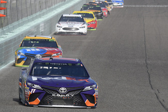 Denny Hamlin, Joe Gibbs Racing, Toyota Camry FedEx Express, Kyle Busch, Joe Gibbs Racing, Toyota Camry M&M's, Brad Keselowski, Team Penske, Ford Fusion Discount Tire
