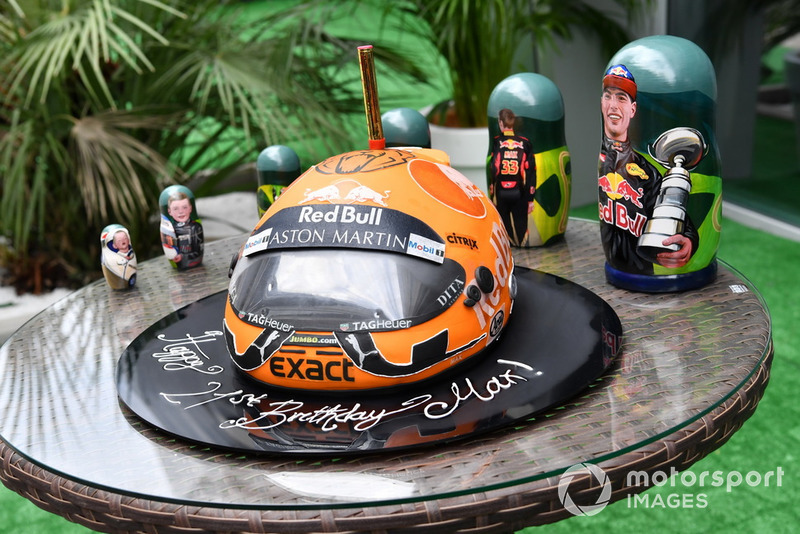 Подарунки для Макса Ферстаппена, Red Bull Racing