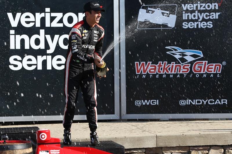 Third place Helio Castroneves, Team Penske Chevrolet