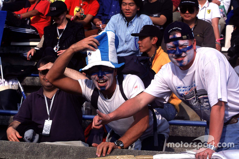 Fans of Mika Hakkinen, McLaren