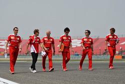 Себастьян Феттель, Ferrari изучает трассу с командой