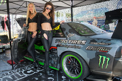 Monster girls с машиной Аркадия Цареградцева