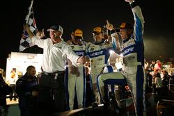 Ganadores #60 Michael Shank Racing with Curb/Agajanian Ligier JS P2 Honda: John Pew, Oswaldo Negri Jr., Olivier Pla, Michael Shank