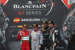 Podium: Sieger Am-Cup Claudio Sdanewitsch, AF Corse; Sieger Sprint Championship Enzo Ide, Belgian Au