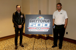 Kurt Busch, Stewart-Haas Racing Ford with Daytona International Speedway President Chip Wile, presented the Daytona 500 2018 logo