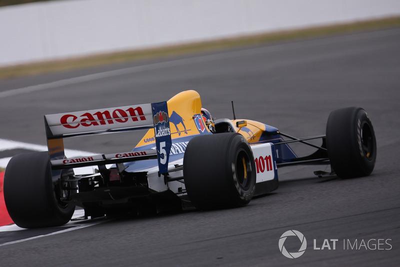 Karun Chandhok in the Williams FW14B Renault Sport F1 Team