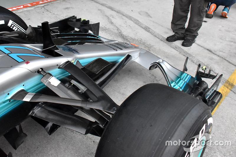 Mercedes AMG F1 W08 ön kanat