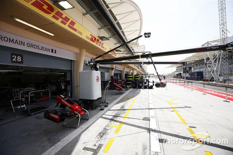 Бокси Haas F1