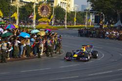 Mark Webber, Red Bull RB6 di jalanan Bangkok