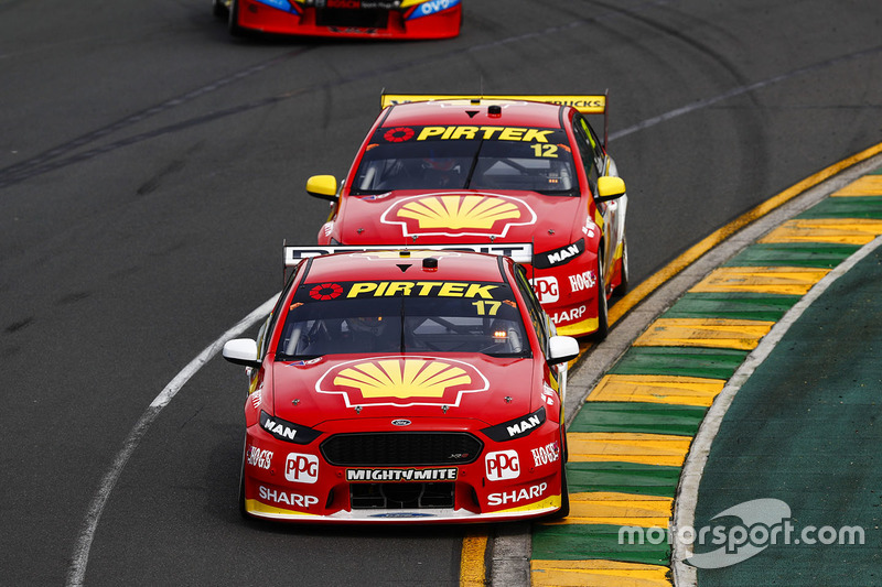 Scott McLaughlin, Team Penske, Ford; Fabian Coulthard, Team Penske, Ford