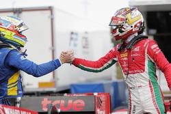 Pole Charles Leclerc, PREMA Powerteam, 2. Oliver Rowland, DAMS