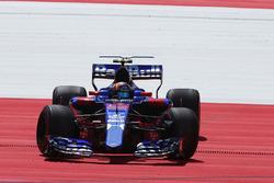 Карлос Сайнс-мл., Scuderia Toro Rosso STR12: разворот